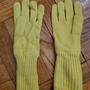 Uniqlo Yellow Glove